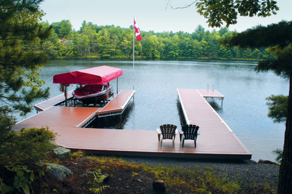 Lift Up U Dock with pro Decking