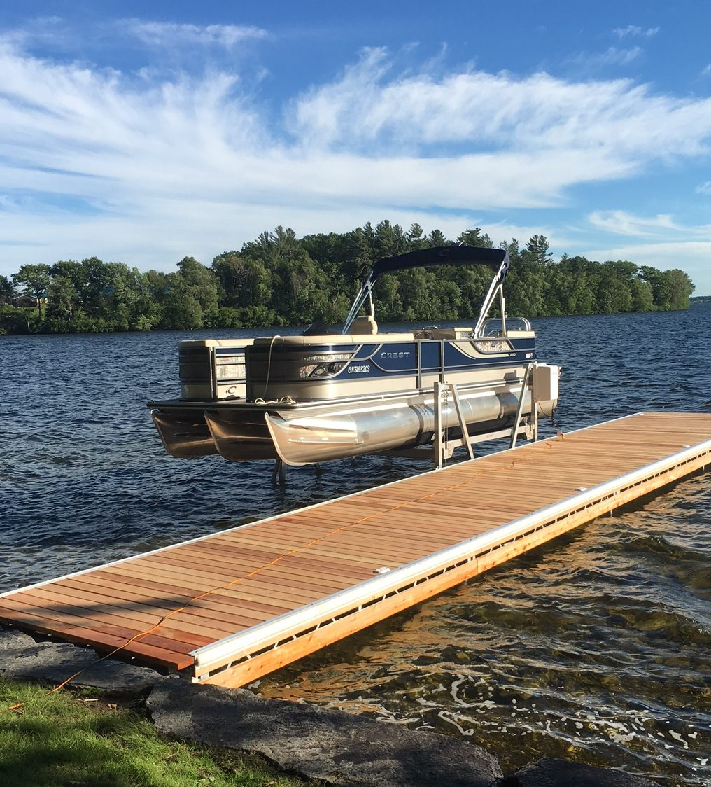 Vertical Pontoon Boat Lift
