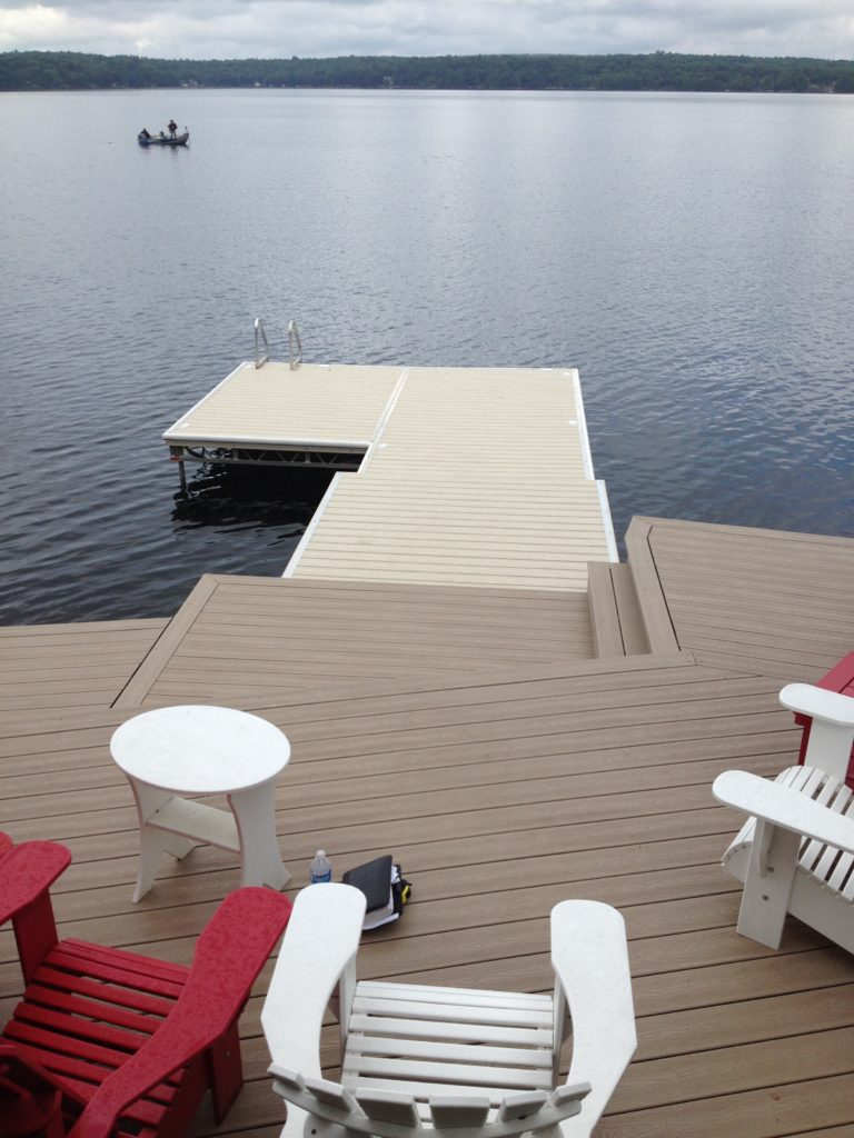 Lift up Step Dock with Mocha & Khaki Pro Decking