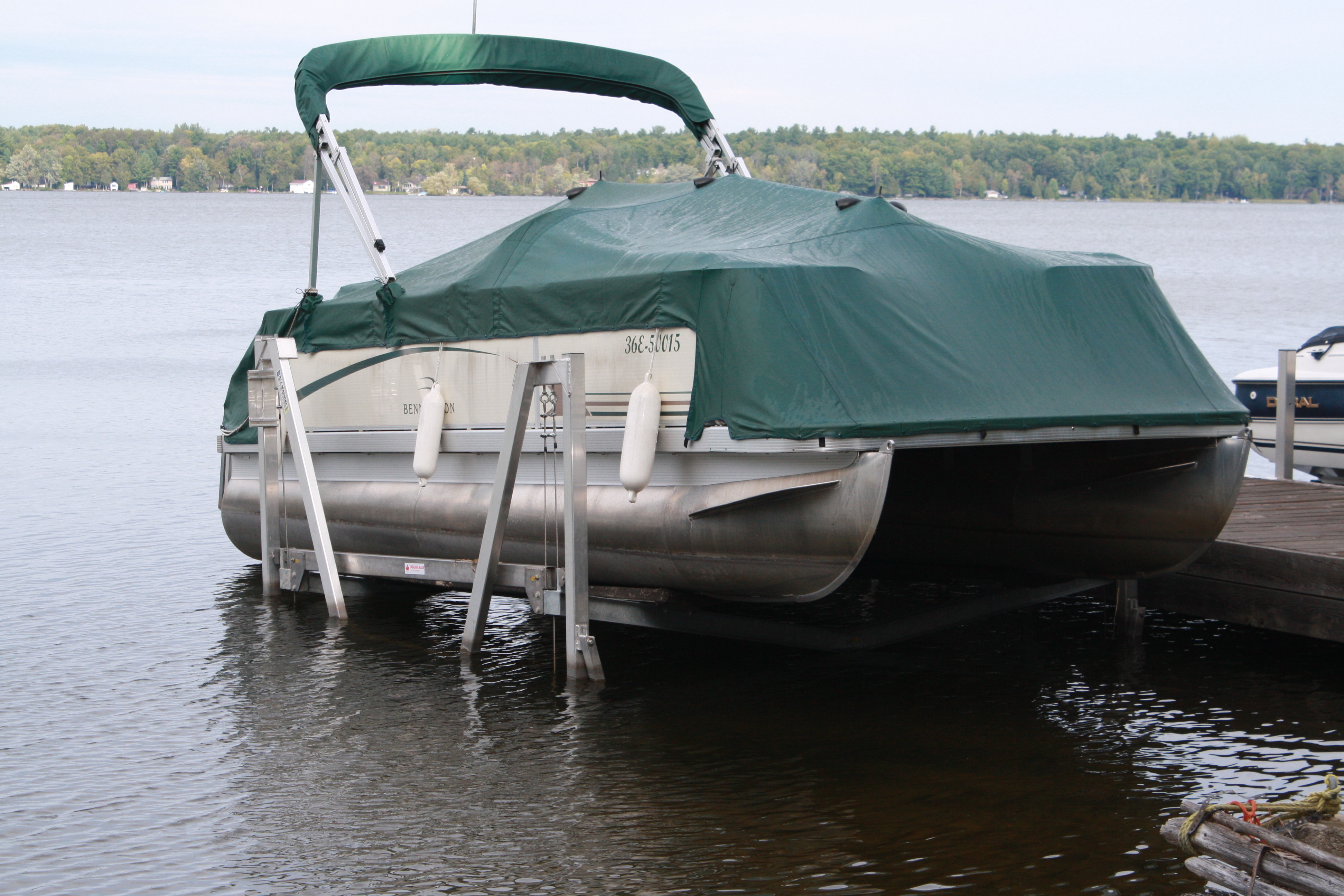 Pontoon Boat Lifts | Shallow Water Pontoon Lifts – R & J Machine