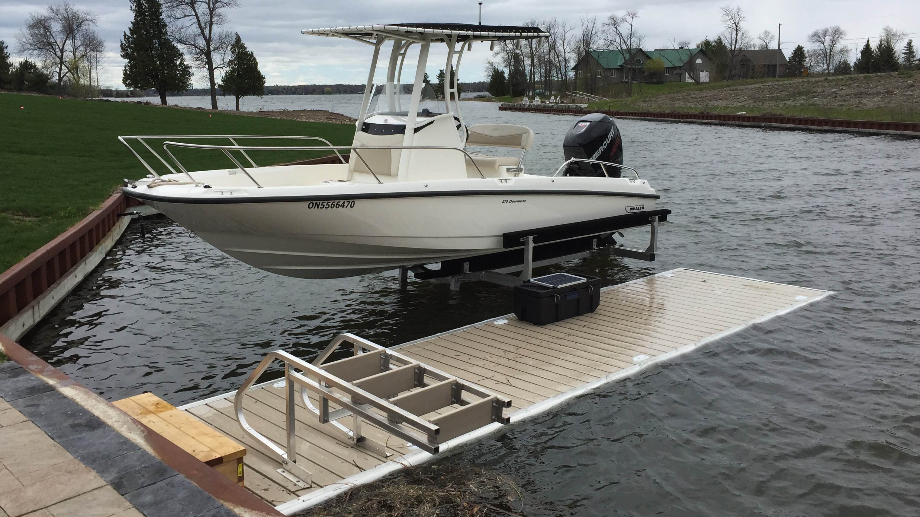 remote control boston whaler with Hydraulic Boat Lifts on United States furthermore 2008 Sea Ray 240 Sundancer further 12451 moreover Santei Pontoon 104301 furthermore Yamaha Sx230 24582.