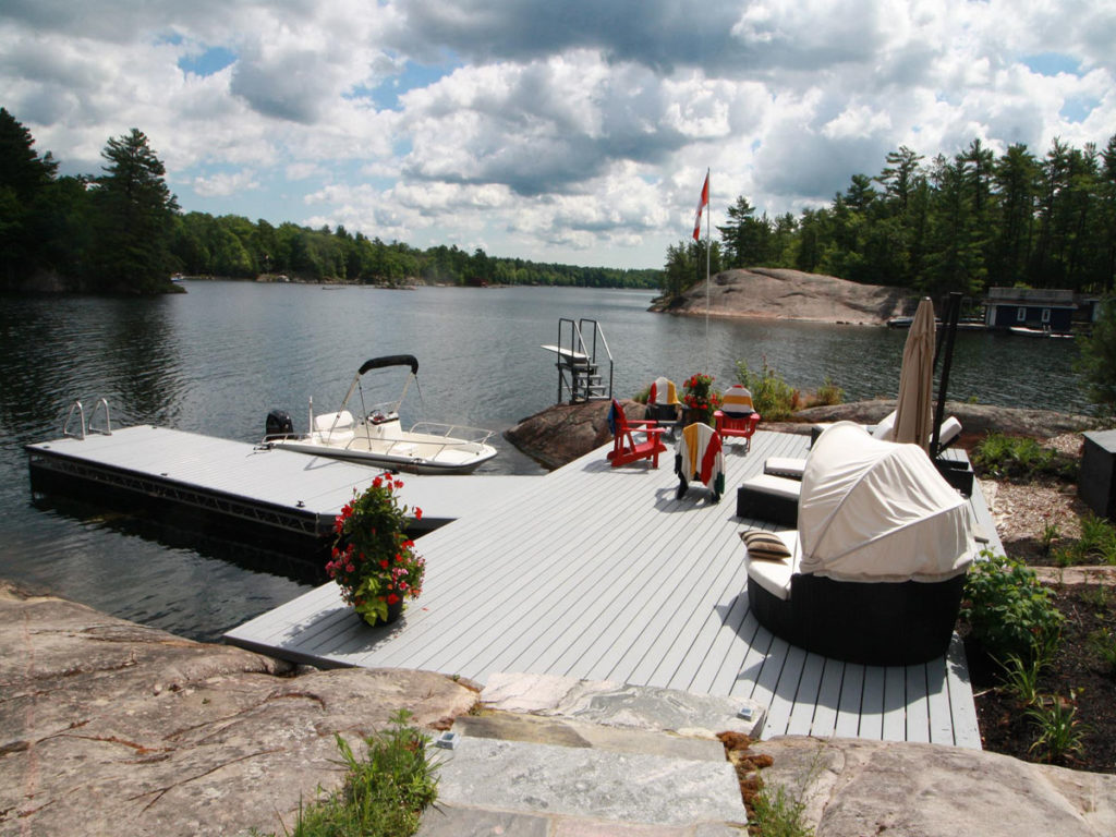 R & J Machine: Custom-Built Docks & Boat Lifts in the Kawarthas
