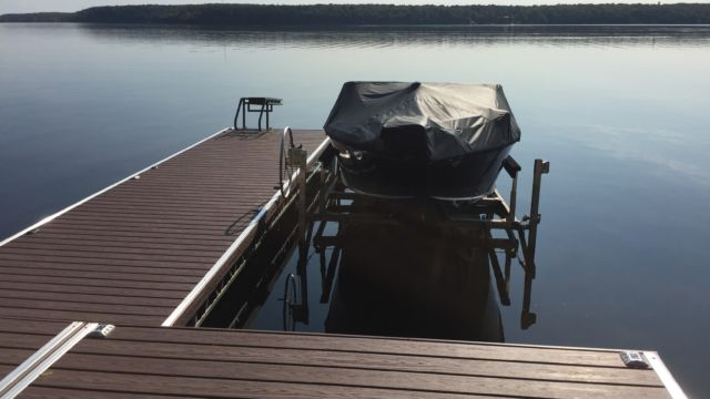 Lift up Pipe Truss dock and Cantilever Boat Lift