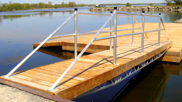Accessible ramp for floating dock system