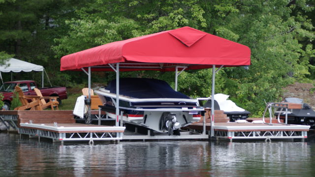 Cantilever Boat Lift with Roof System