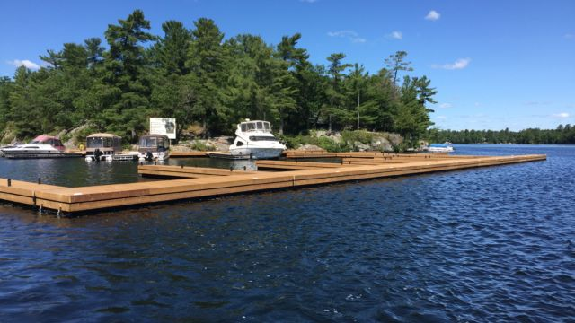 Commercial Steel Tube Floating Dock System at Burleigh Island Lodge