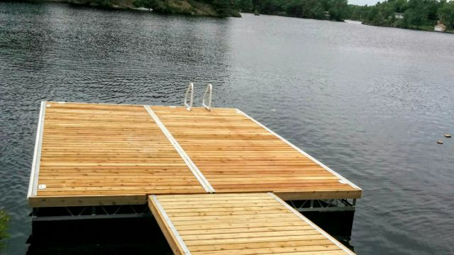 Aluminum Truss Floating Dock and ramp, with Western Red Cedar Decking
