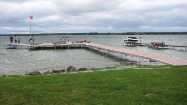 Pipe Dock System - Lake Simcoe - Installation Day