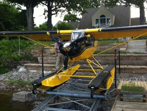 Lift up marine railway for float plane