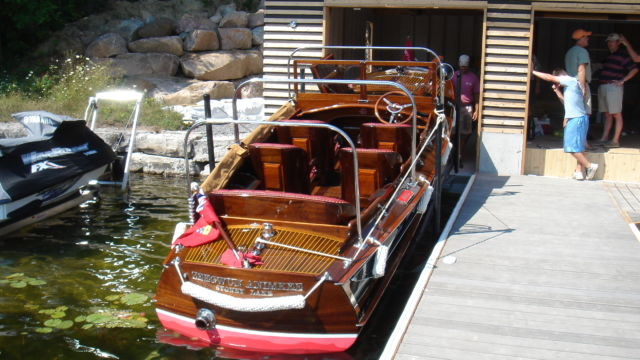 Marine railway for antique wooden boat