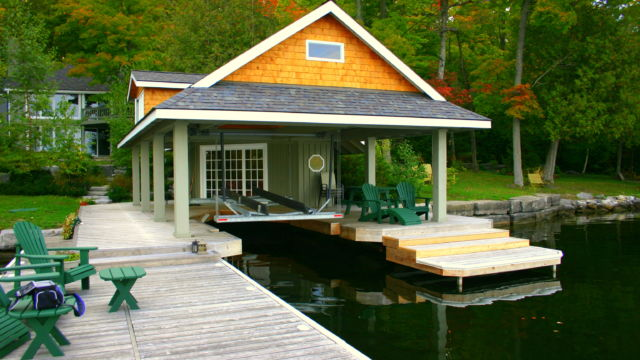 Wetslip lift with custom lift dock sections