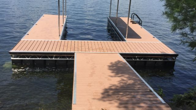 u shaped floating dock with roof system