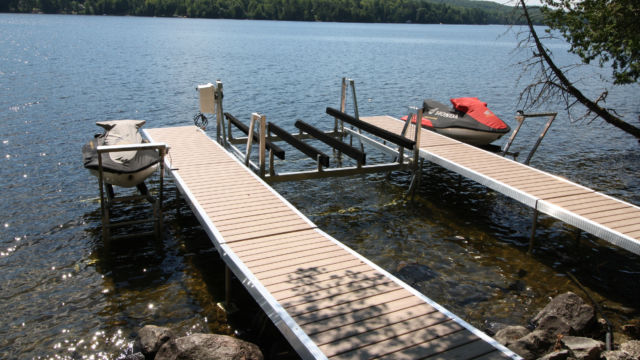 WaveX Pipe Docks & PWC Lifts and Vertical Boat Lift